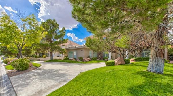 Ten Oaks Real Estate